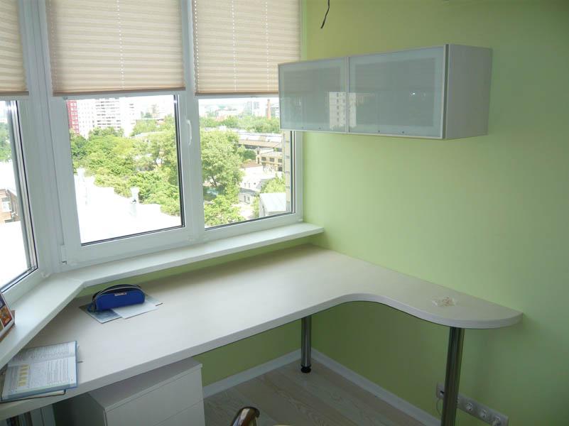 Стол на балкон для ученика..